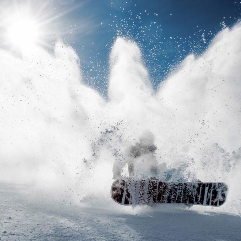 LYŽOVÁNÍ / SNOWBOARDING